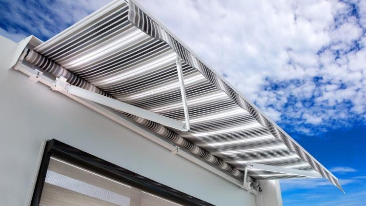 awning-for-balcony